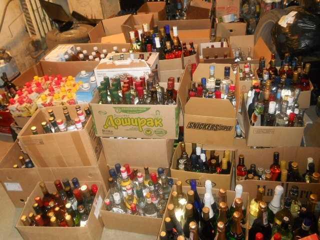 Почти 400 бутылок поддельных водки и коньяка изъяли в магазине Заполярного