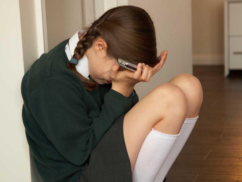 ВАлександрове семеро школьниц безжалостно избили свою сверстницу