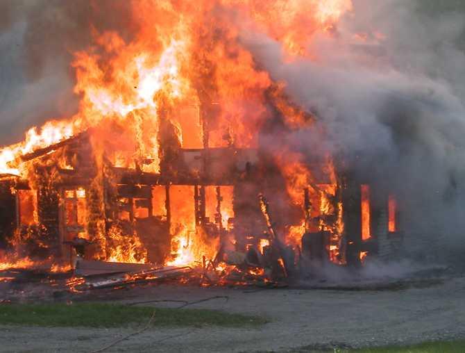 ВКамешковском районе отец ответит запогибшую впожаре дочь