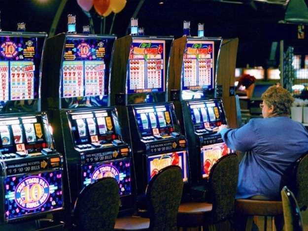 Хозяйка казино рулетка и игровые автоматы видео покер, бесплатная игра рулетка ag skalping