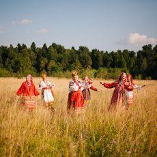 Русские женщины любили водить хороводы