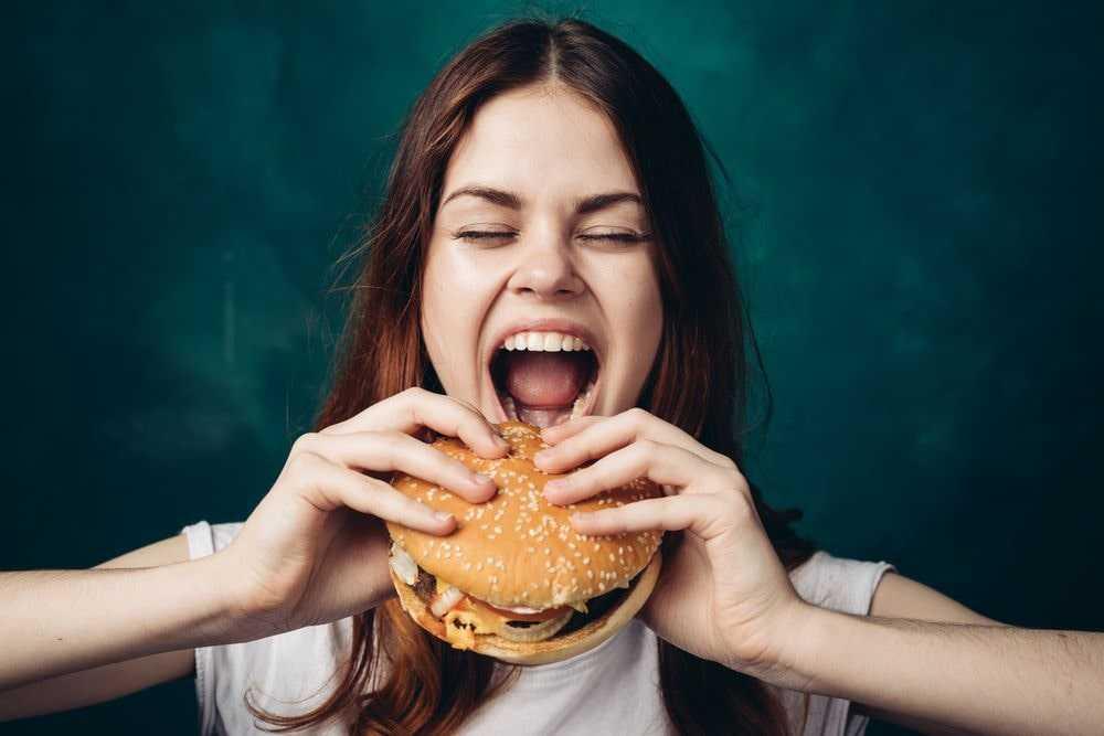 Употребление вредной пищи