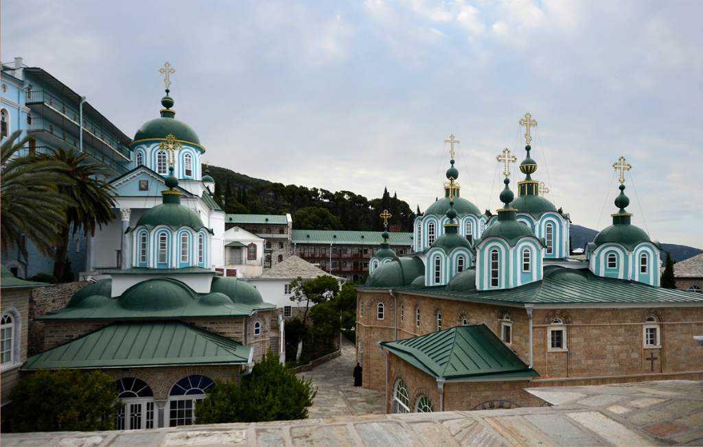 Покровский храм святогорской Пантелеимоновой