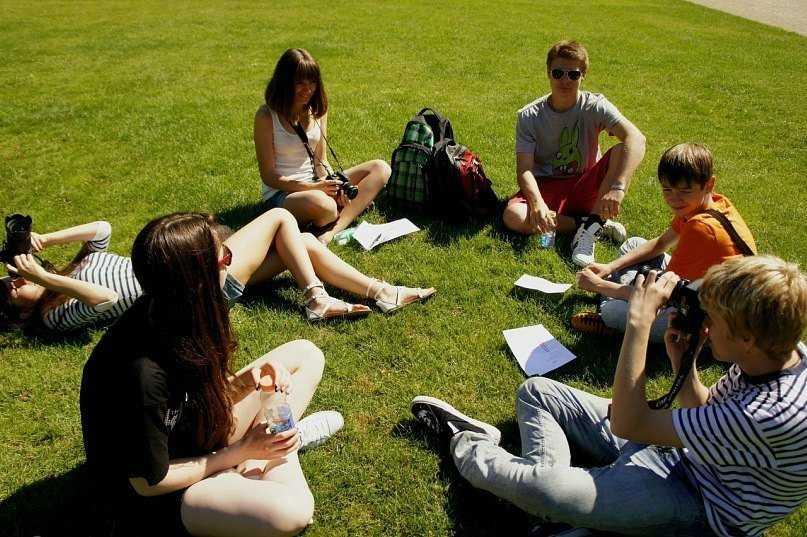 Студенты отдыхают летом