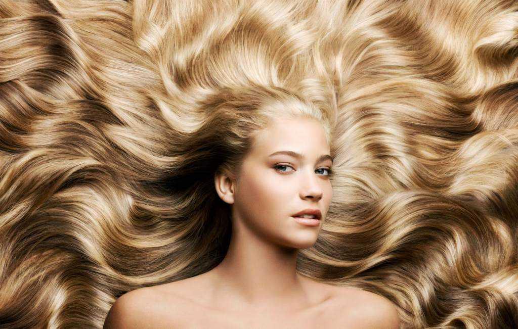 Девушка с красивыми влосами