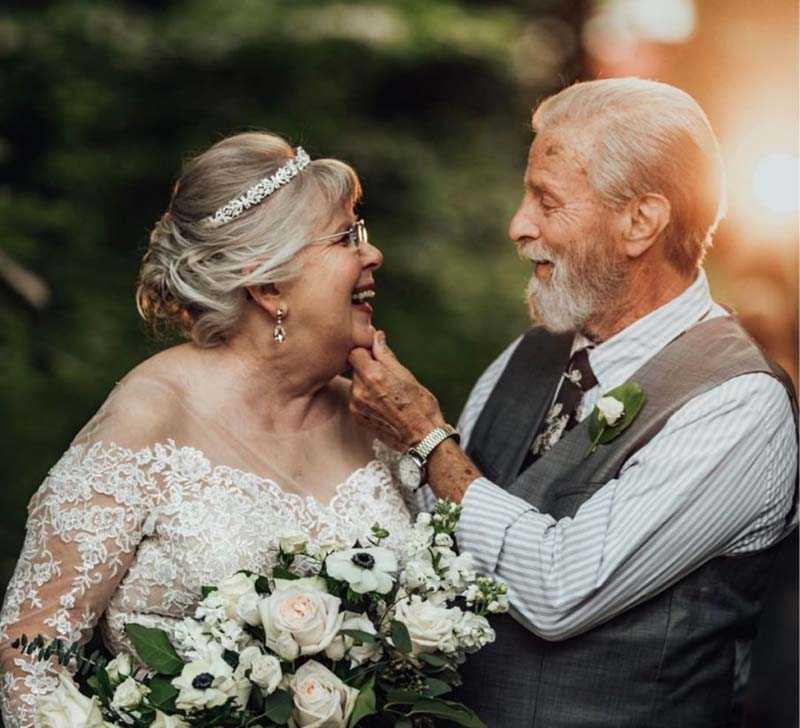 Где же искать любовь пожилым людям