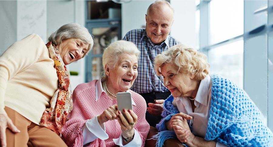 поиск любви пожилым людям Компания общих друзей