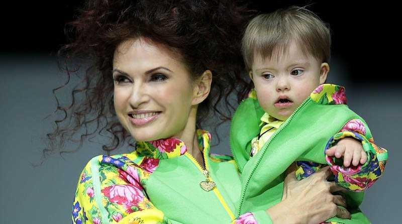 Как Эвелина Бледанс растит своего «солнечного» сына