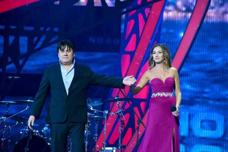 Взаимоотношения Мишель и звездного папы  Александр Серов