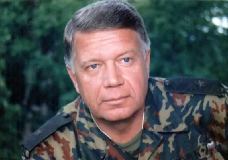 Надежда долго не могла смириться со смертью старшего брата генерал-майора Валерия Бабкин