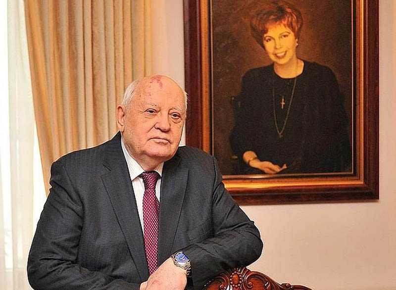 Ходят слухи, что у Горбачева на самом деле много недвижимости в других странах