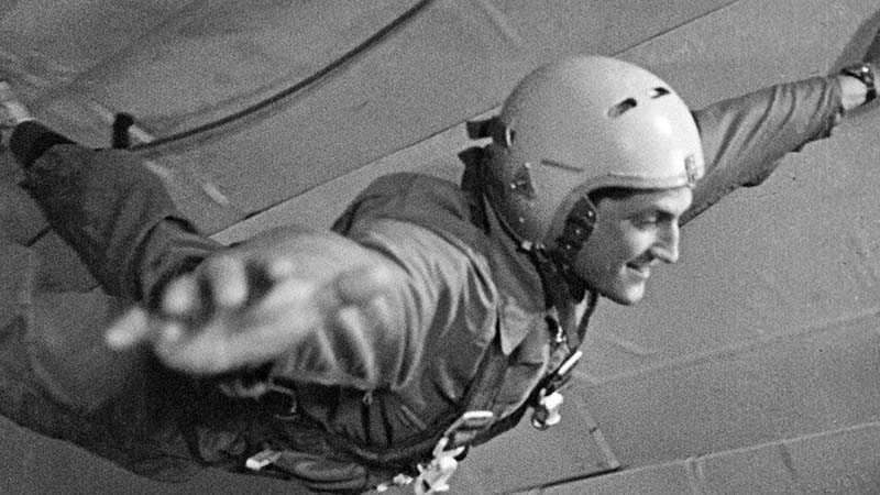 Помимо стандартных медицинских осмотров, кандидатов в космонавты подвергали испытаниям