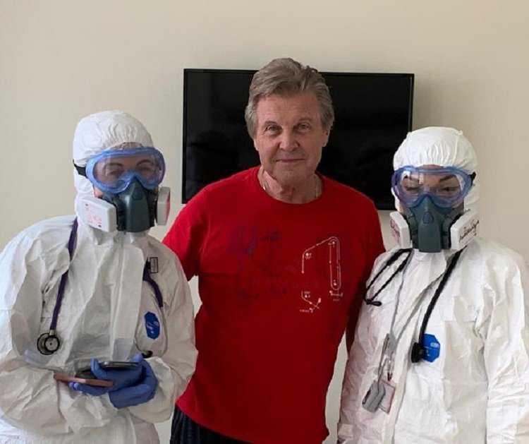 Лев Лещенко в больнице