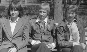 Длинные волосы у парней В 70-80-х годах