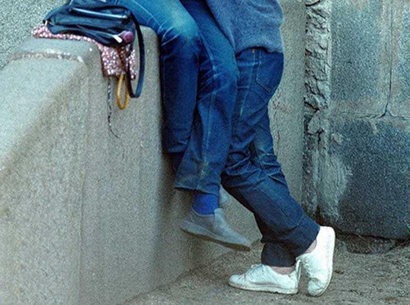 Учащихся, пришедших в школу в джинсах или кроссовках, тут же отправляли домой переодеваться.