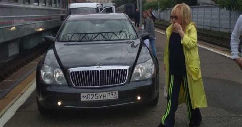 На каких автомобилях ездят Алла Пугачева и Максим Галкин