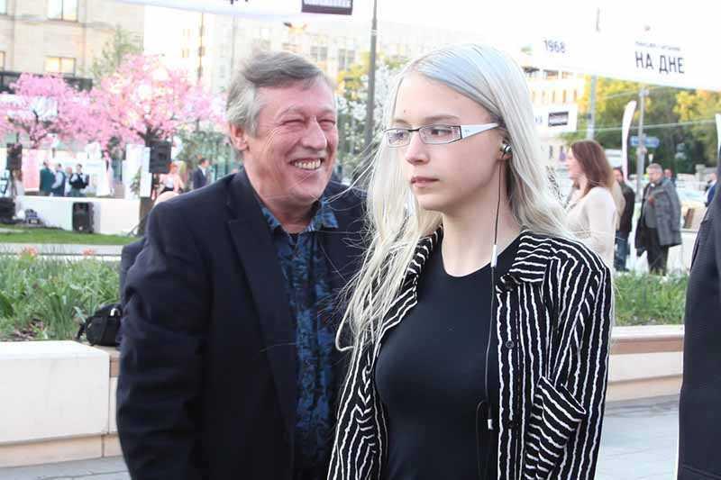 Дочка Михаила Ефремова — Анна-Мария