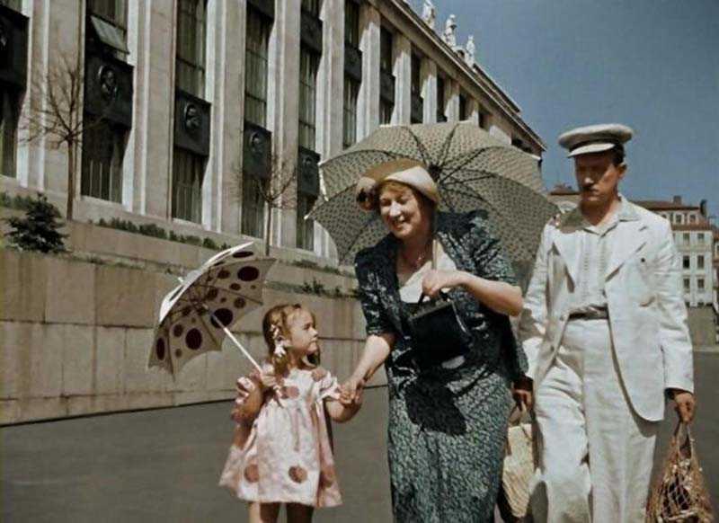 После «Подкидыша» девочка сыграла в «Кукольной стране» и готовилась к съемкам в фильме «Моцарт».