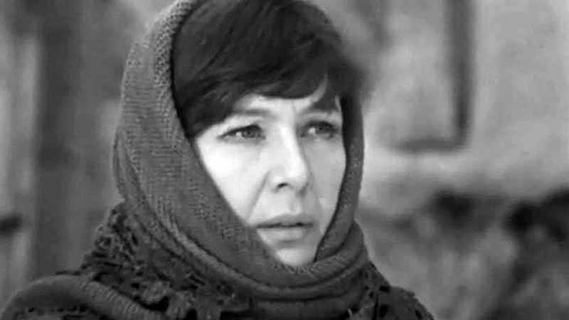 Нинель Константиновна ушла из жизни в 2003 году, в возрасте 77 лет.
