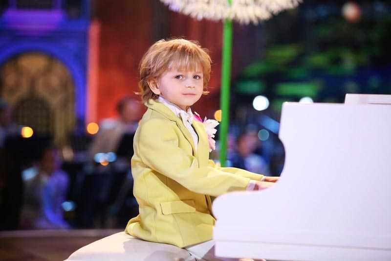 Член жюри «Синей птицы» Денис Мацуев с раннего возраста Елисея был его настоящим кумиром.