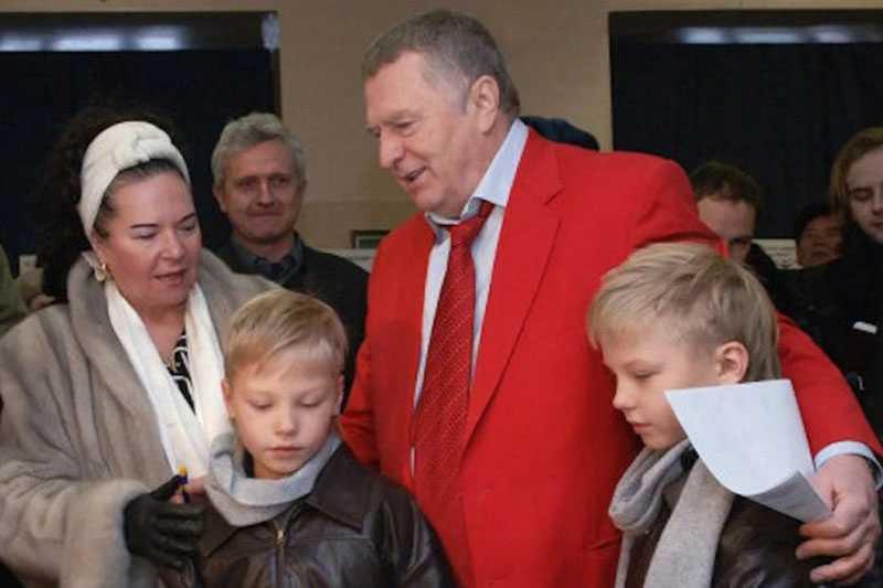 Галина Лебедева признается, что быть с Владимиром Вольфовичем в «одной лодке» очень комфортно и приятно