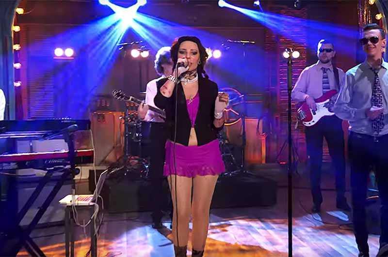 Жанна Агузарова является одной из певиц с самыми высокими расценками за концерты в шоу-бизнесе России.