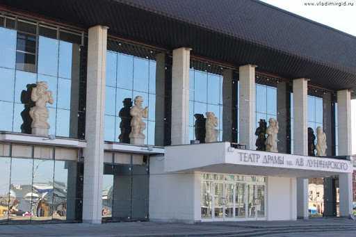 Владимирский драматический театр весь август будет давать спектакли в Суздале