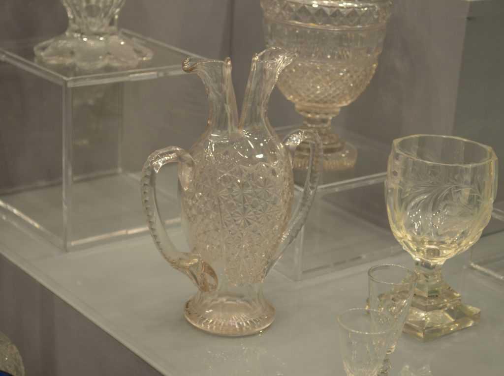 Во Владимире в Музее хрусталя появились тактильные экспонаты