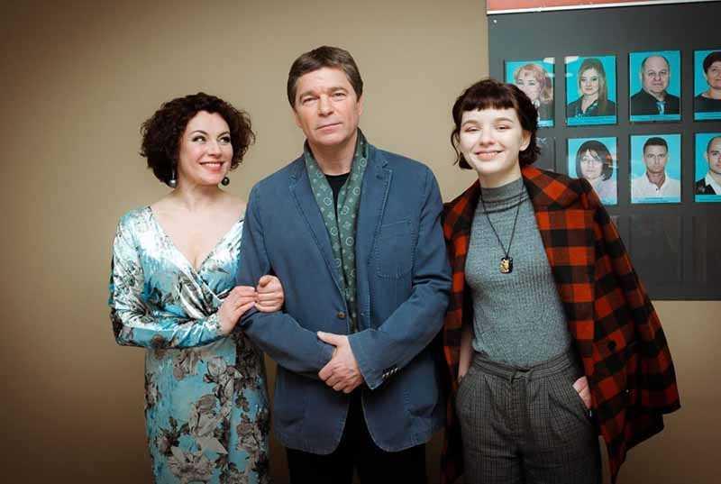 Пара Сергея и Ларисы считается одной из самых крепких и счастливых среди остальных семей отечественных актеров.