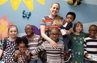 Как папа усыновила сразу 5 детей, имея еще троих своих