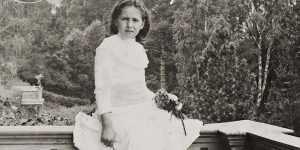 Вера росла среди искусства, поэтому часто посещала лекции, посвященные историческим и литературным темам.