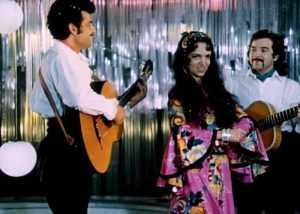«Жестокий романс» был бы совсем не романсом, если не вокал Валентины Пономаревой.
