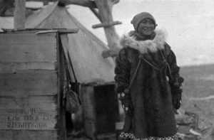 В 1923 году судно все-таки смогло пробраться к острову, где обнаружили истощенную женщину