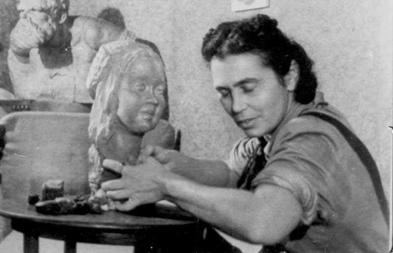 Болезнь, которая из талантливой балерины сделала известного скульптора