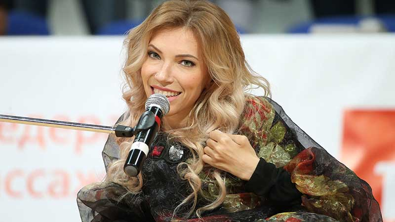 Комментаторы в соцсетях также не поддержали Самойлову.