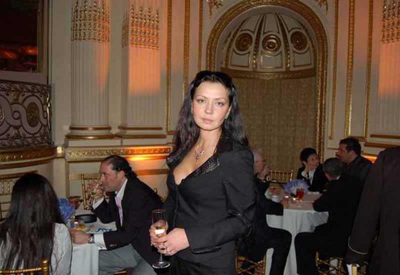 На данный момент Александра Колкунова проживает в Нью-Йорке.