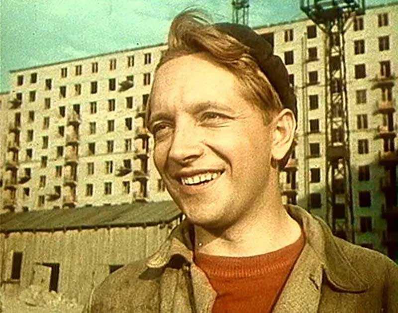 Роли Юрия Белова, которые он исполнял, были с простым и добрым характером.