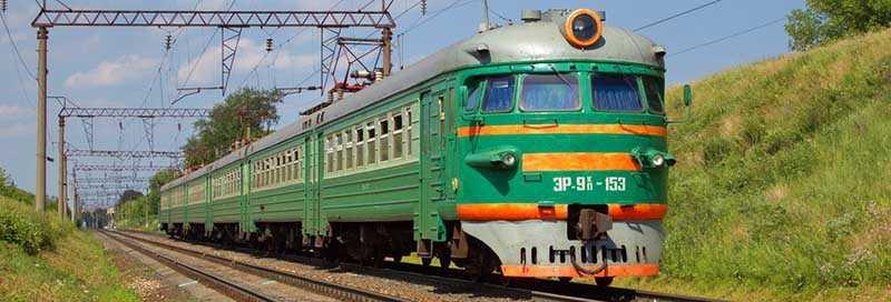 После окончания войны вагоны в Советском Союзе продолжали окрашивать в зеленый цвет.