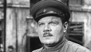Михаил добровольно ушел на фронт, попал в стрелковый полк. В