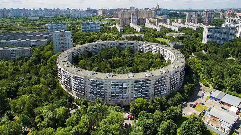 Дома-бублики в СССР: почему выбрали такую форму?