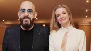 Михаил Шуфутинский представил свою новую и молодую жену