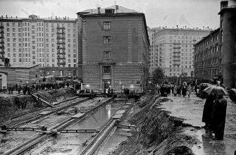 Как дом на Тверской передвинули, пока жильцы спали
