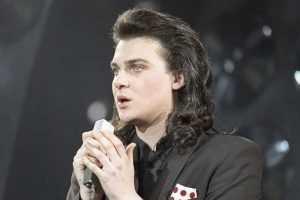 Когда ему было 20 лет, он уже организовал собственный концерт, а спустя 6 лет стал Заслуженным артистом России.