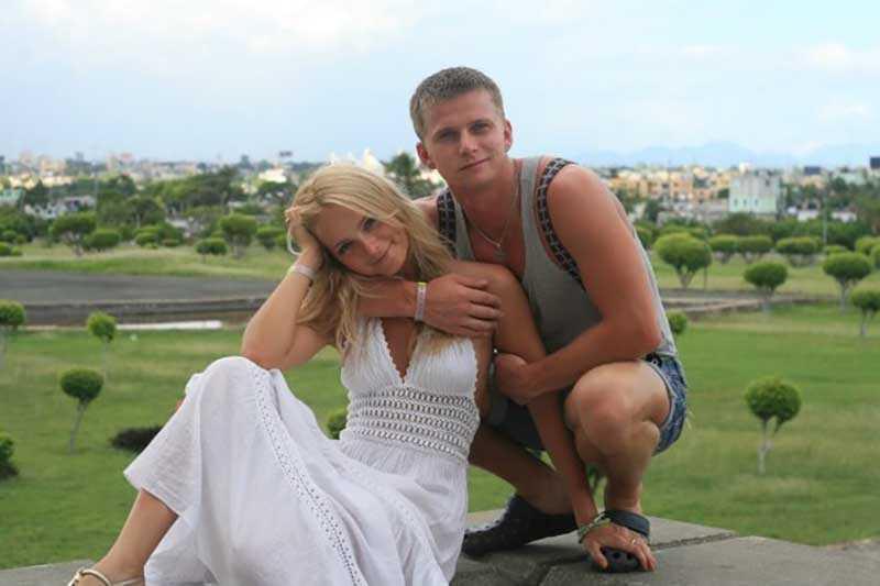 Роман Курцын и Анна Назарова познакомились в театральном вузе, где оба учились на одном курсе.