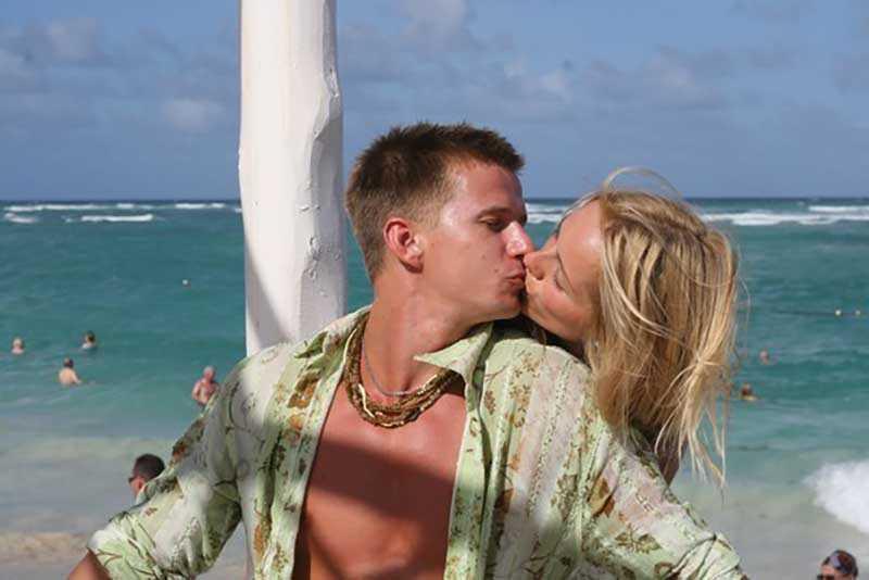 Анна и Роман собираются подать на развод, но сами актеры говорят, что подобных мыслей ни у кого никогда не возникало