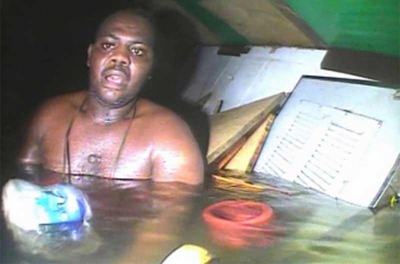 История спасения африканца, который 3 суток провел на дне океана
