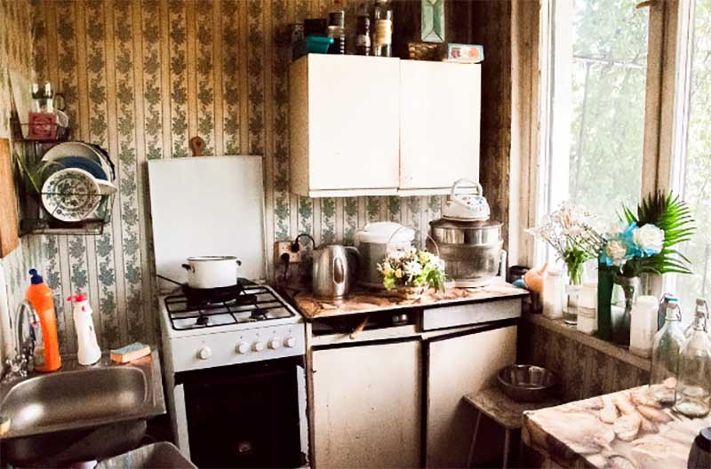 В связи с чем в СССР строили квартиры с маленькой площадью кухонь