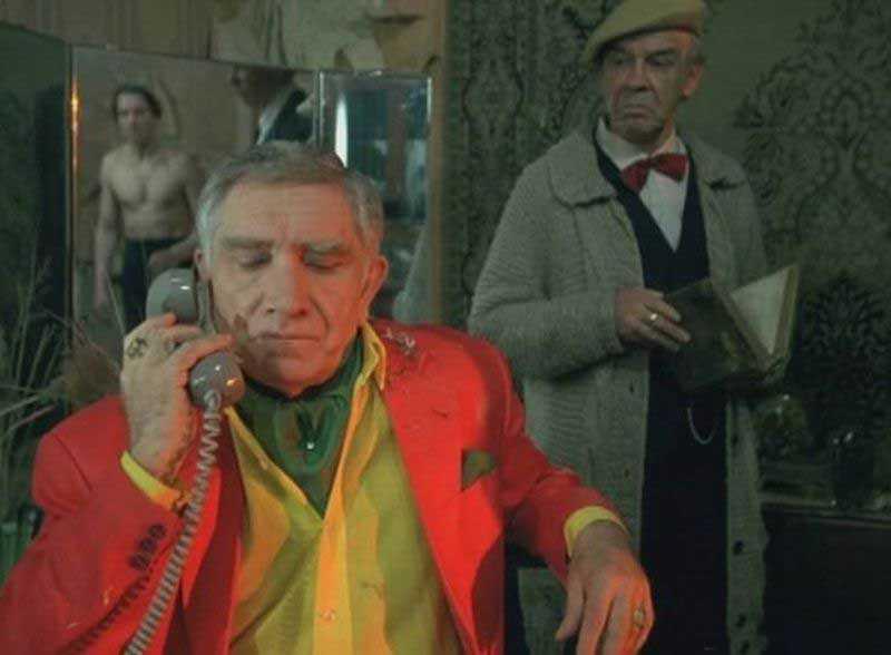 Армен Борисович Джигарханян является известным советским, российским и армянским актером.