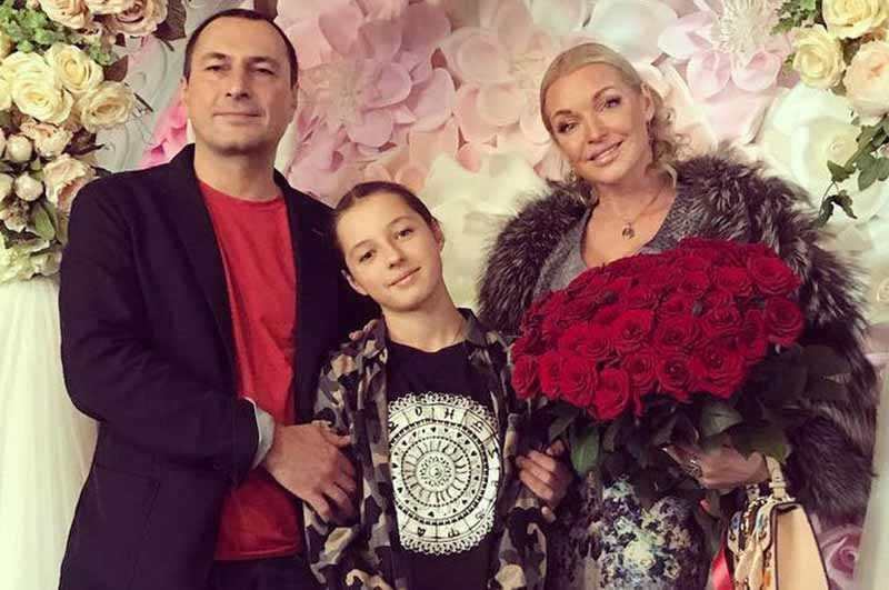Дети каких отечественных звезд после развода родителей остались жить с отцом