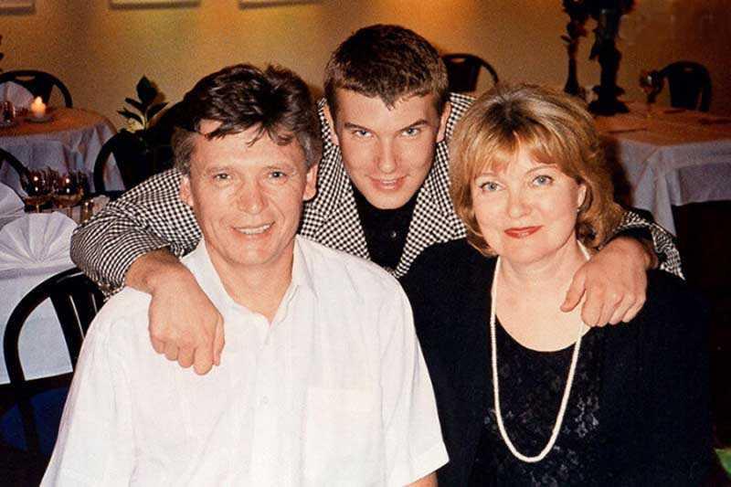 Семья Бориса Николаевича Токарева является одной из самых крепких в истории российского кинематографа